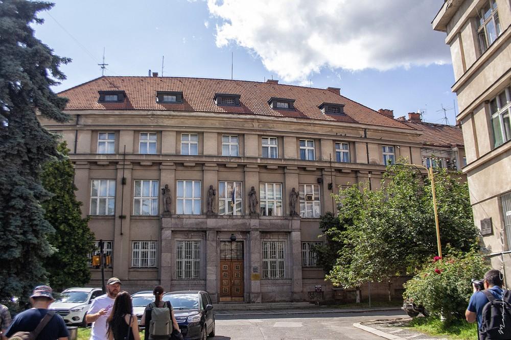 Народний банк (1932-1933, арх. Франтішек Шрамек, пл. Пушкіна, 1)